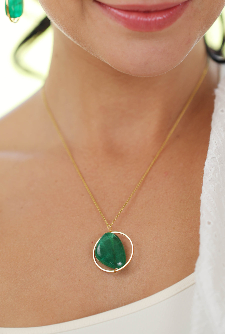 Liana Pendant Necklace (Green) - Tumble Stone Round Hoop
