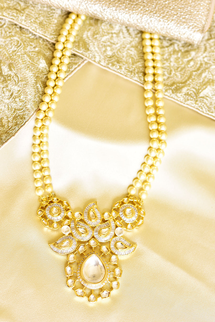 Pendant Necklace with Pearls
