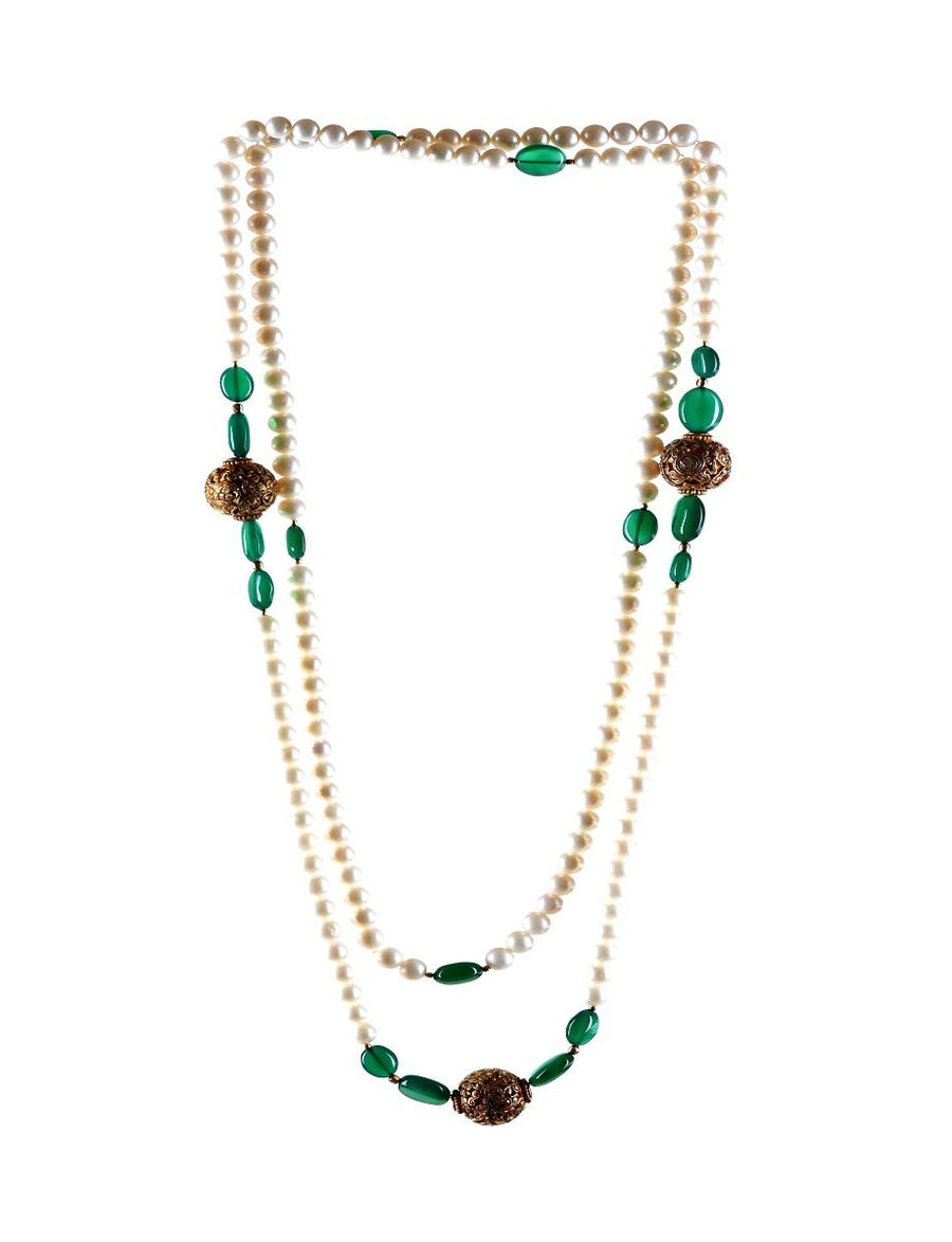 Pearl Necklace With Green Onyx & Carved Metal Bead