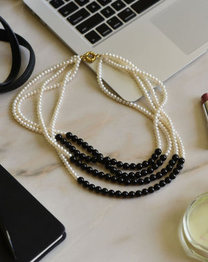 Pearl Necklace With Onyx