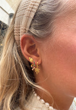 Load image into Gallery viewer, Aria earrings