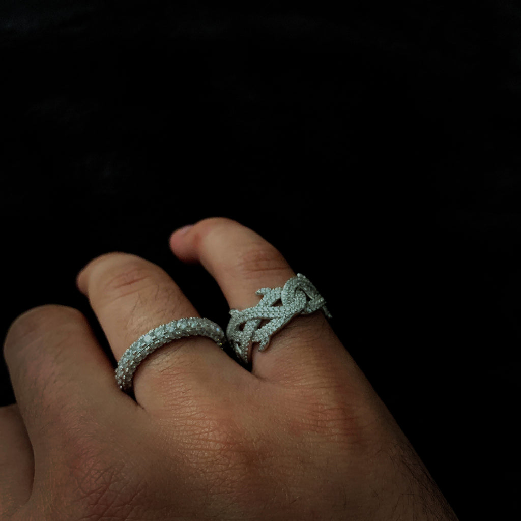 Iced Thorn Ring (.925 Sterling Silver)
