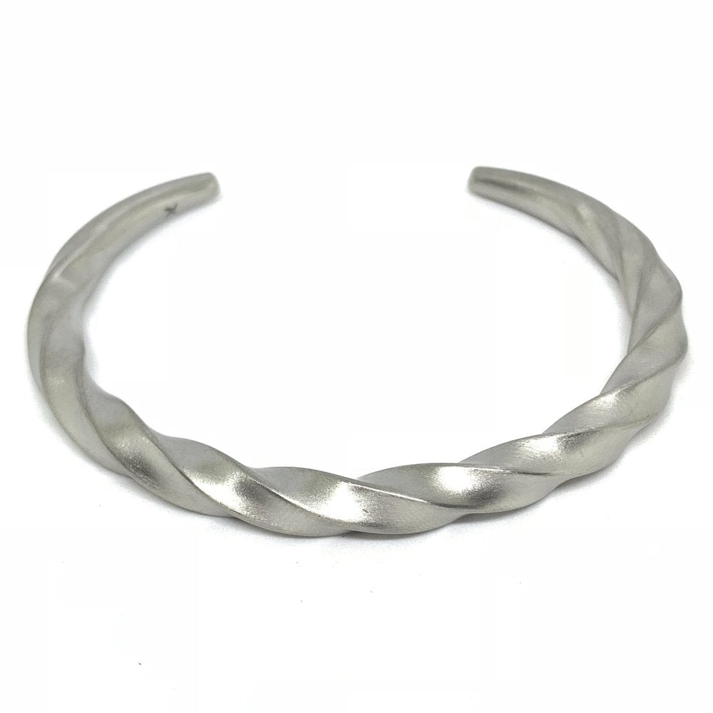 Twisted Bracelet (Stainless Steel) - Kuyashii Jewelry
