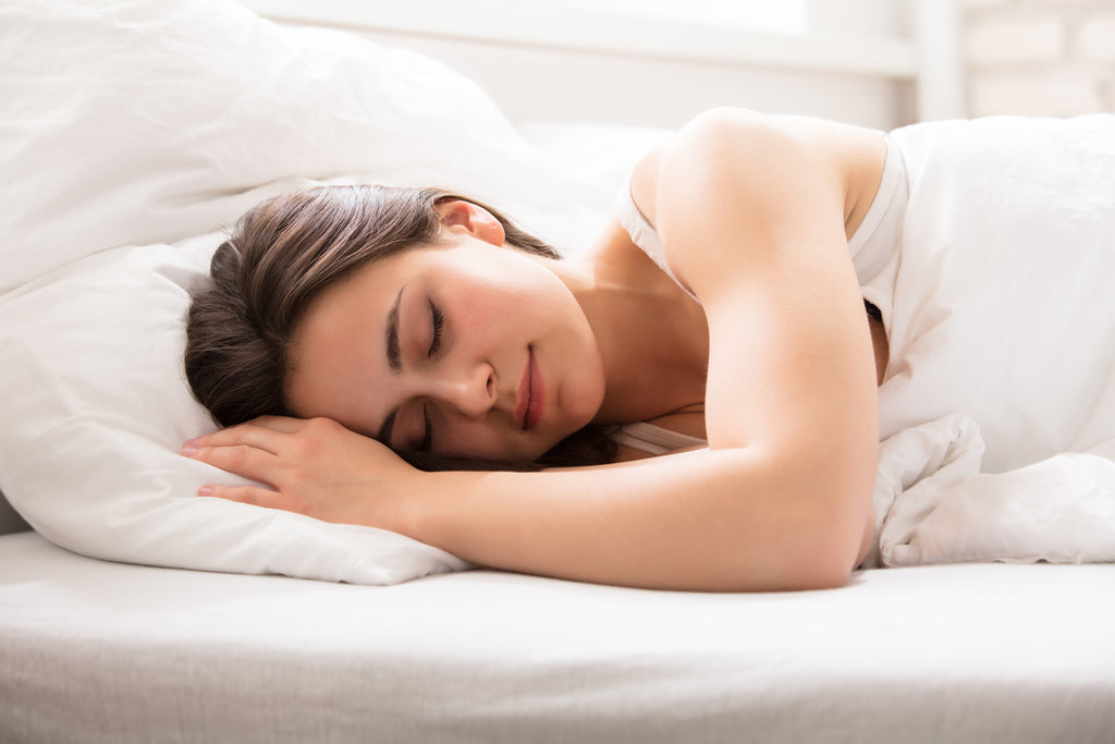 5 Ways to get the kind of sleep your skin will thank you for!