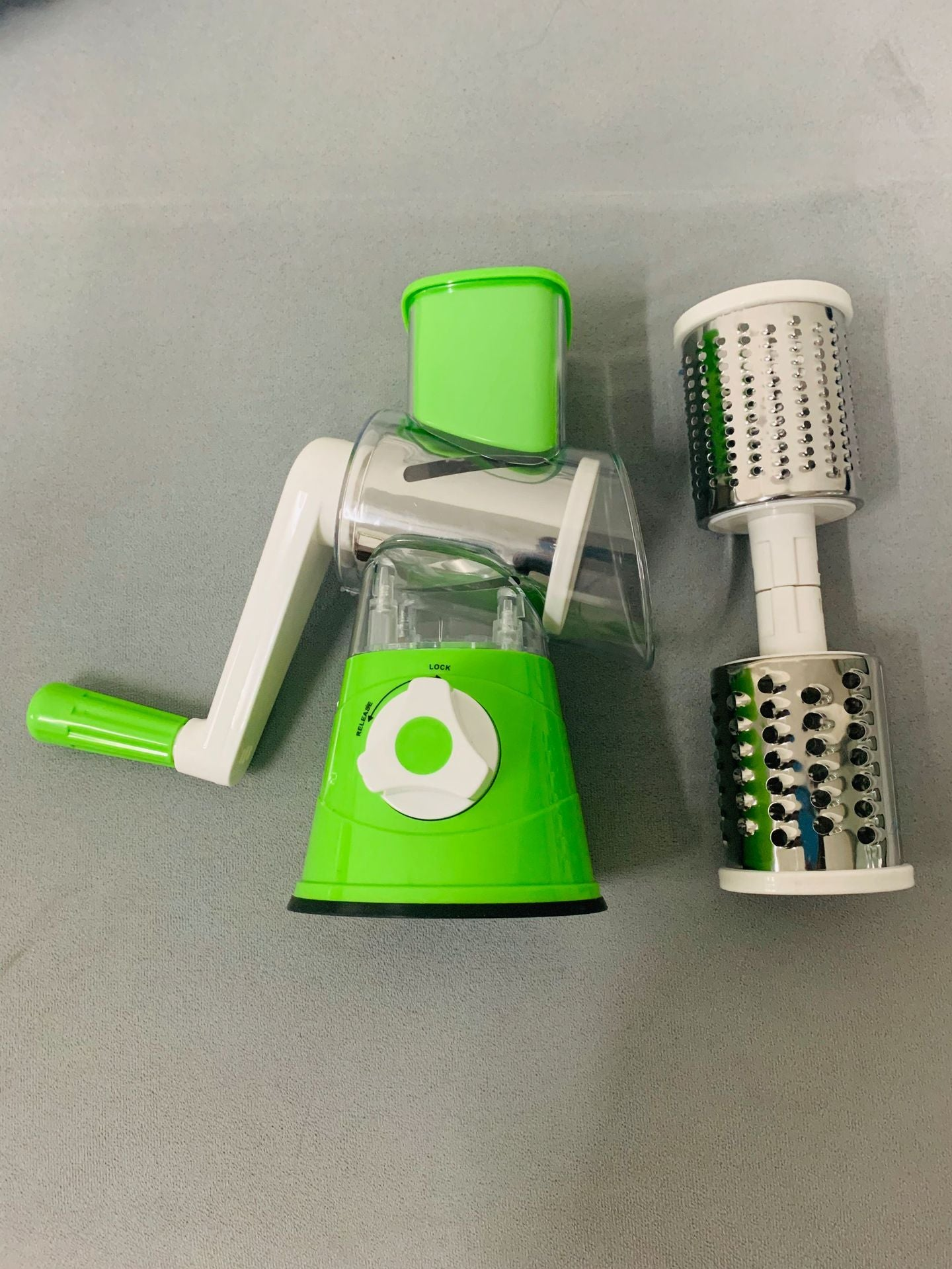 Kitchen vegetable cutter / salad slicer