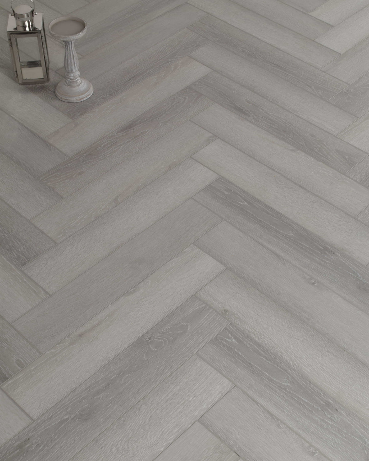 Underfoot Danube Herringbone Graphite Oak Sample
