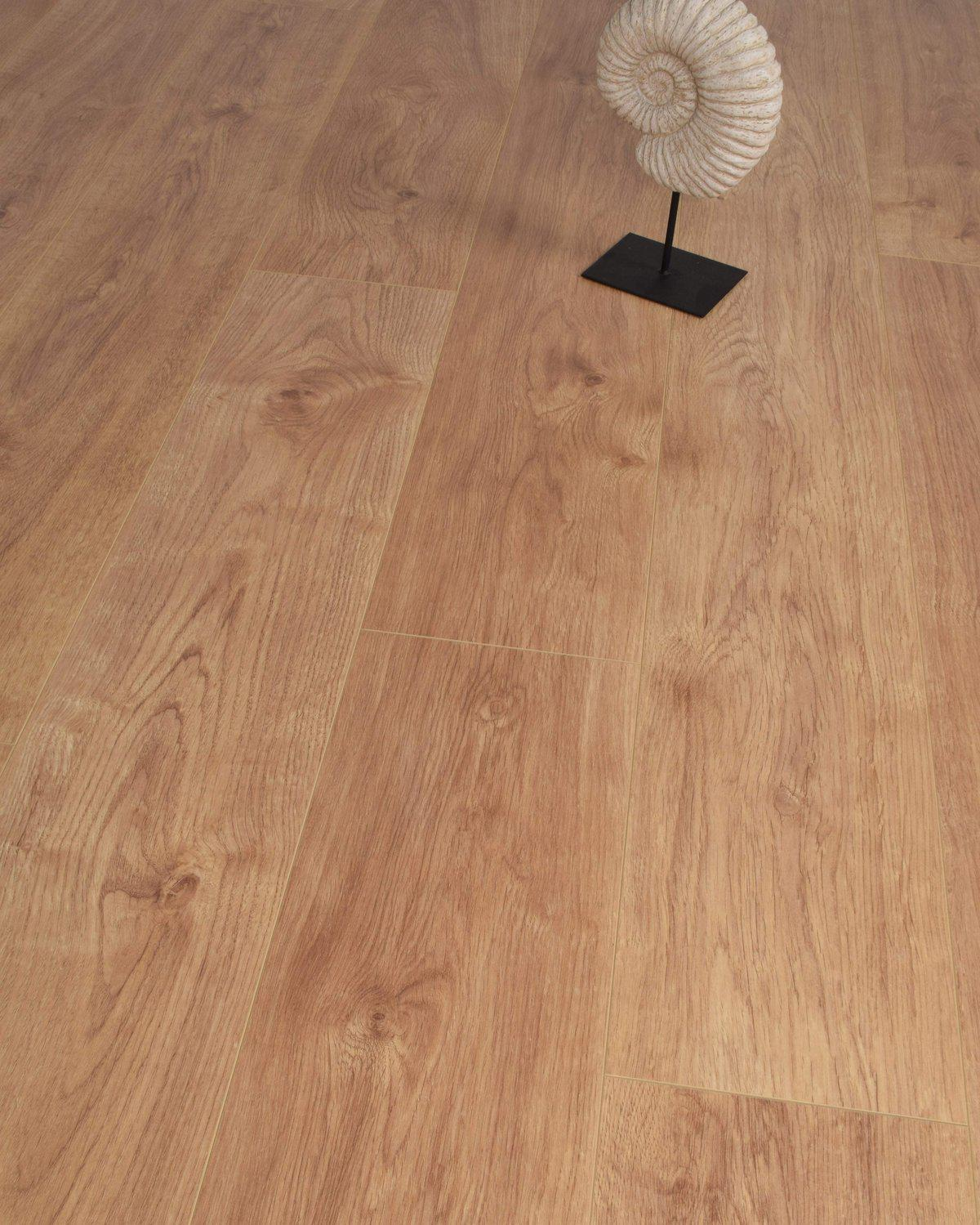 Underfoot Picasso Brown Oak
