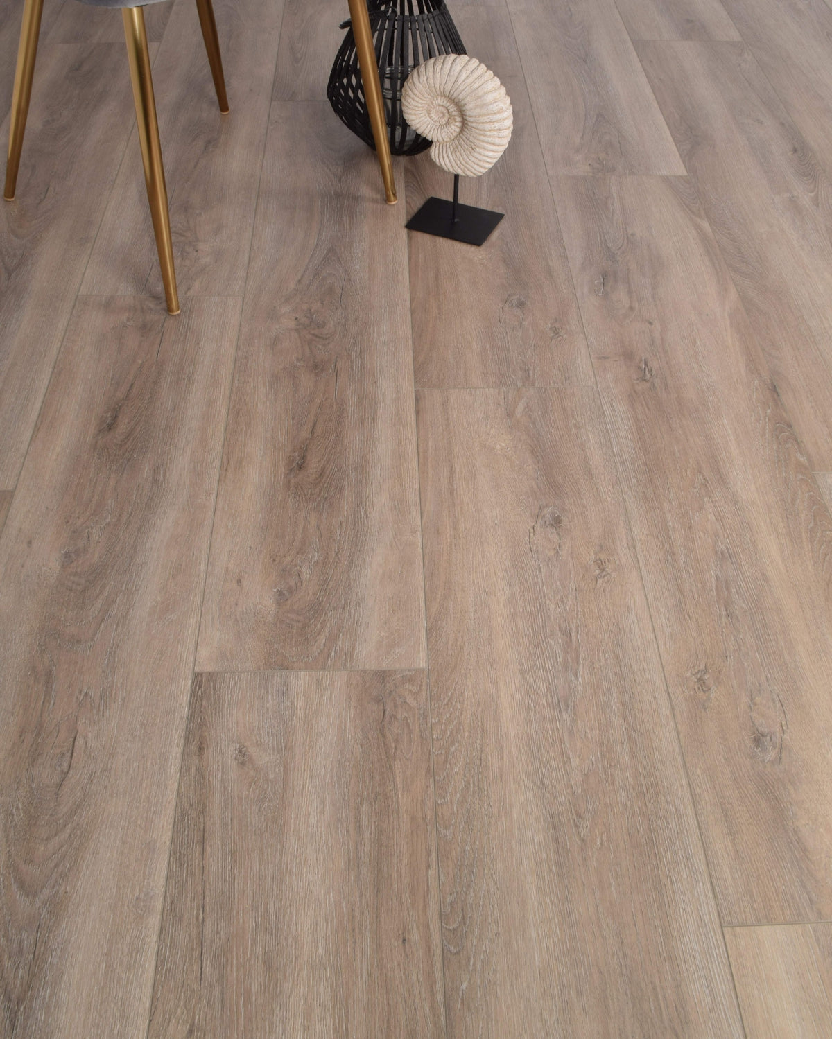 Underfoot Congo Cedar Oak Sample