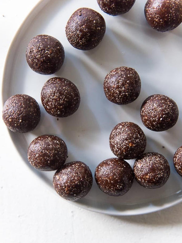 CRUNCHY BROWNIE PROTEIN BALL (V)