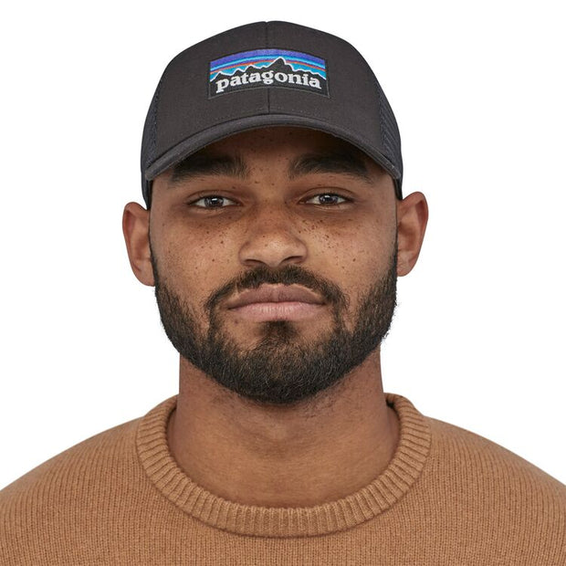 Casquette Patagonia P-6 Logo LoPro Trucker Hat Black - Echoppe Sauvage