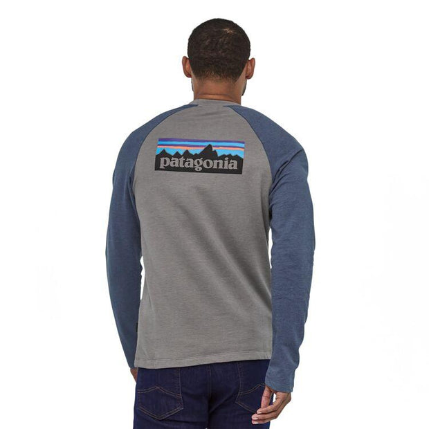Sweat-Shirt Patagonia M's P-6 Logo LW Feather Grey w/Dolomite Blue - Echoppe Sauvage
