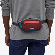 Sac Banane Patagonia Ultralight Black Hole Mini Hip Pack - Patchwork Roamer Red - Echoppe Sauvage