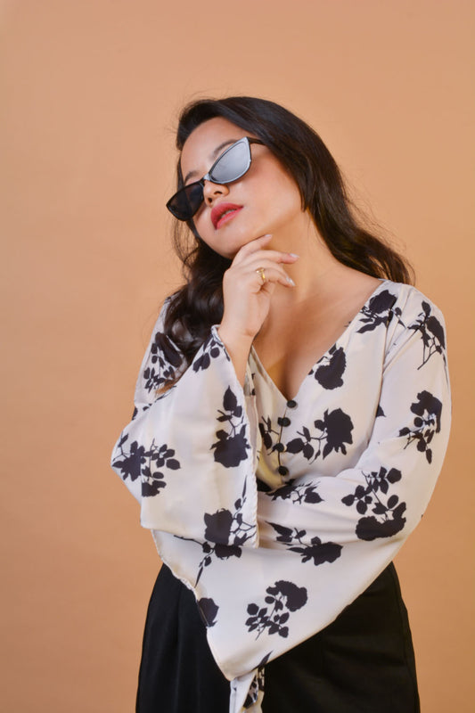 Tie Front Top in Mono Floral
