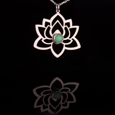 Lotus Green Necklace