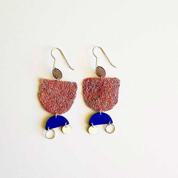 statement earrings - WOVEN ABSTRACT - rainbow peach