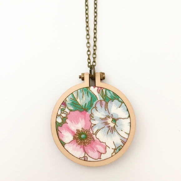 recycled fabric pendant . pretty flower .
