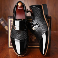 Men's shoes Leather Embossing Classic Fashion Luxury men shoes Wear-resistant Non slip Mans footwear Anti-slip Black shoes