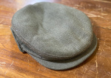 Tweed press stud peak falt cap