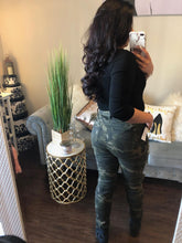 Load image into Gallery viewer, Camila Jeans (camo)