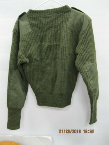 USGI OD 100% WOOL Sweater sz40 with Epaulettes