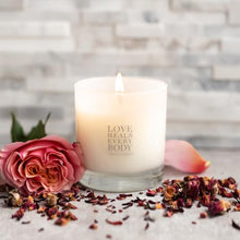 Load image into Gallery viewer, rose scented candle