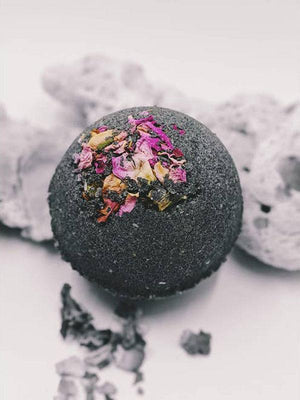 MOONLIGHT BATH DETOX - PURIFYING COCONUT CHARCOAL SKIN SOAK - FULL MOON