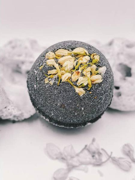 MOONLIGHT BATH DETOX - PURIFYING COCONUT CHARCOAL SKIN SOAK - NEW MOON