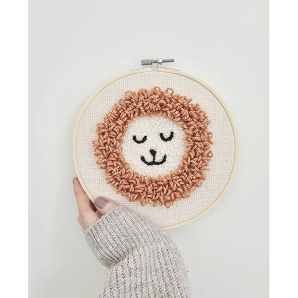 Kinporium Leonard The Lion Blush Embroidery Hoop
