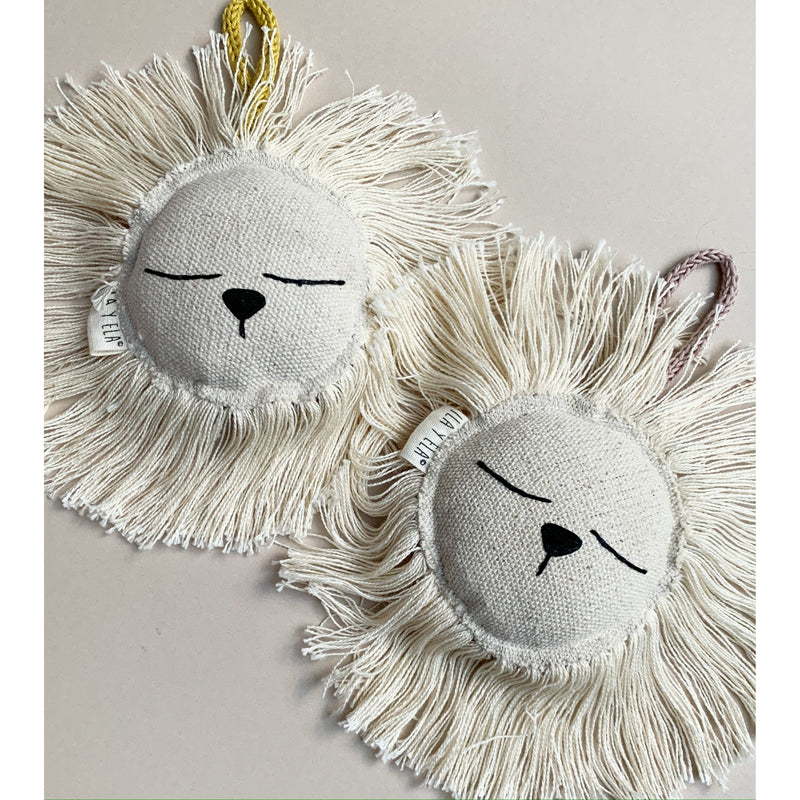 ILA Y ELA DUSTY PINK SMALL LION RATTLE