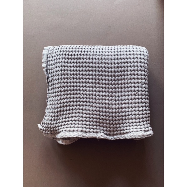 LILLE SOFT GREY WAFFLE BLANKET