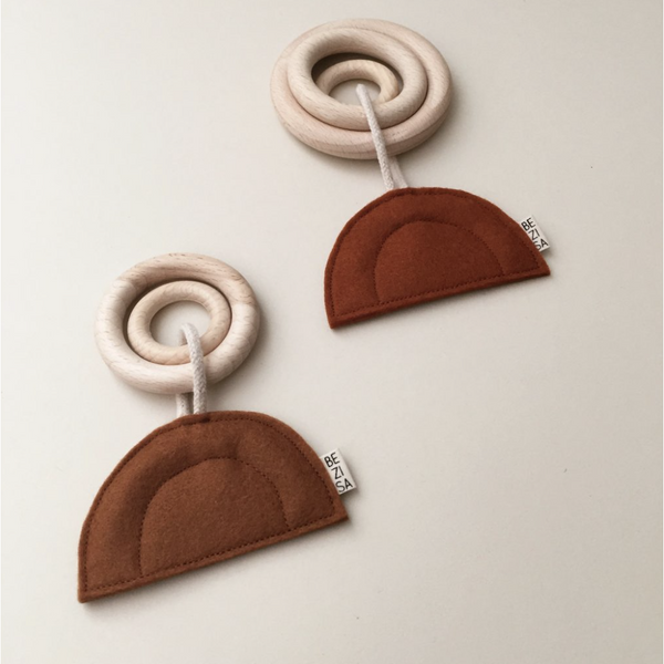 BEZISA SUNSET MINI WOODEN TEETHER