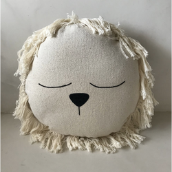 ILA Y ELA LARGE LION CUSHION