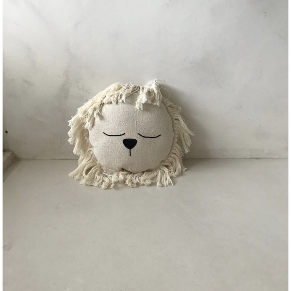 ILA Y ELA SMALL LION CUSHION