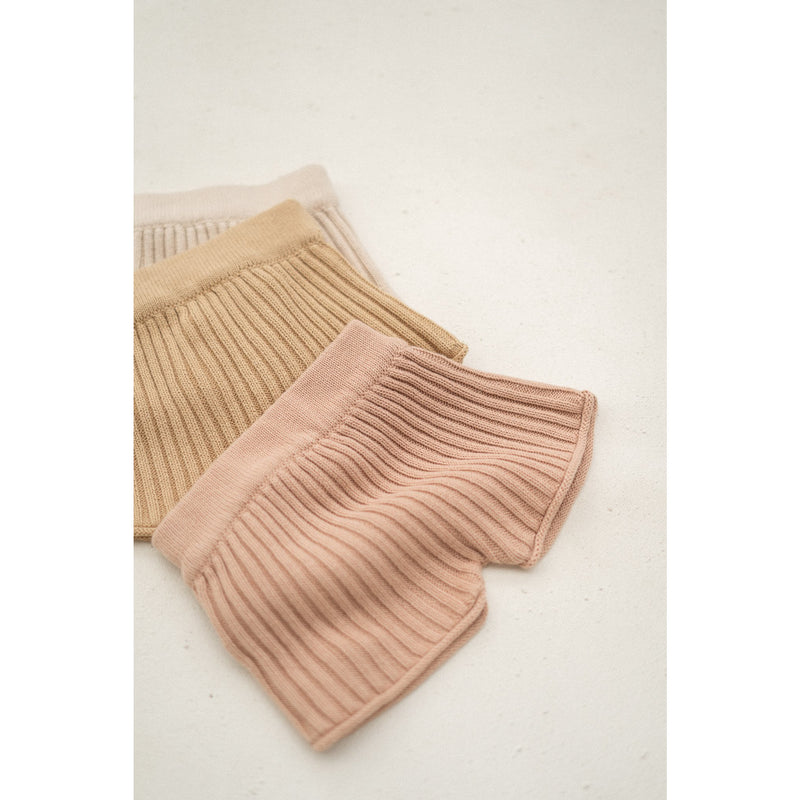 Illoura Strawberry Essential Knit Shorts