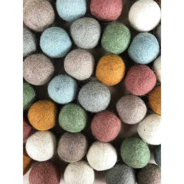PAPOOSE FELT WOOL EARTH BALLS
