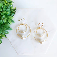 Load image into Gallery viewer, Charlotte Pearl Earrings