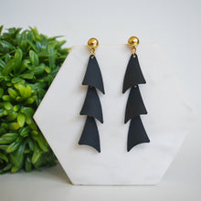 Load image into Gallery viewer, Tracy Earrings