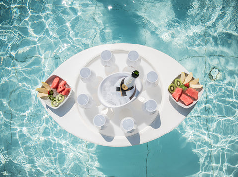 White Floating Trays in water with glacette and glasses