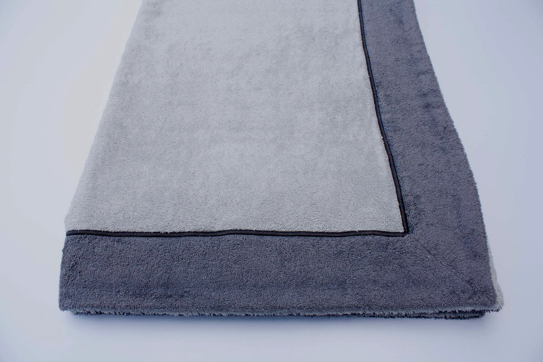 Cotton Beach Towel Grey with flounce embroidered bourdon.