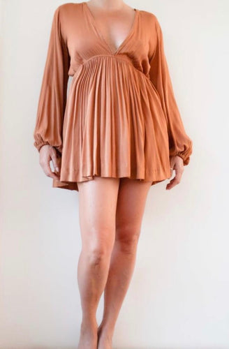 Short cotton dress in cappuccino color
