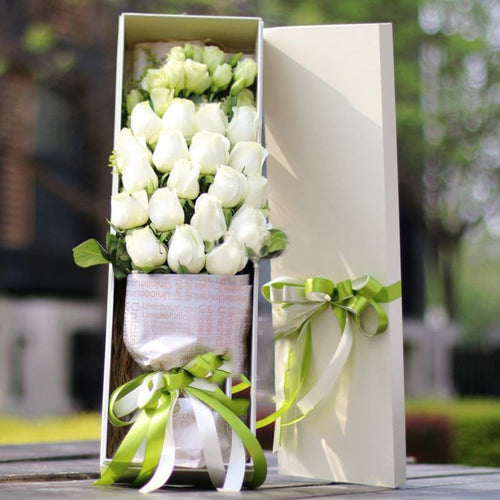 Watch for life( Selection of 19 top white roses with lisianthus   )