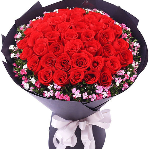 The moon shines on my heart(33 top red roses)