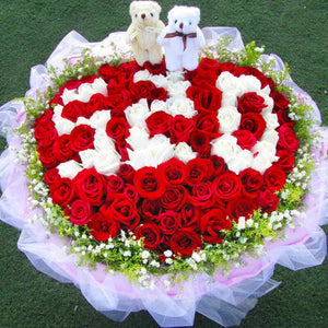 Love by your side( 99 mixed roses (red + white))