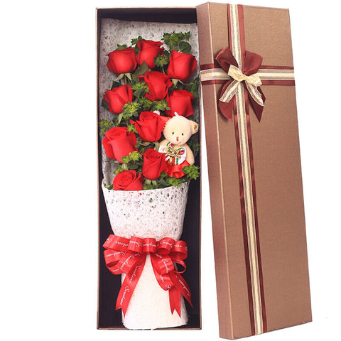 Love is with you(Selection of 11 high-quality red roses)