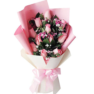 Just love you(11 pink Diana roses)