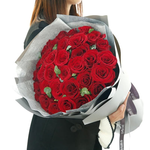 The one i love( 33 high-quality red roses)