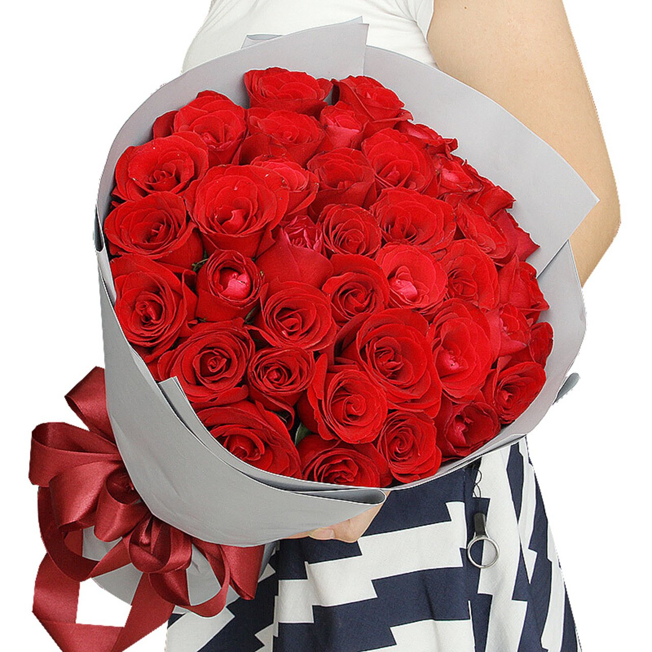 Melody of time( Selection of 33 high-quality red roses   )