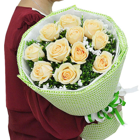 Beautiful and good mood( Selection of 11 champagne roses)