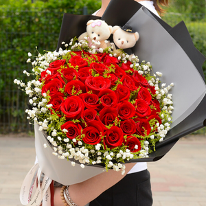 Deep affection( 33 red roses)