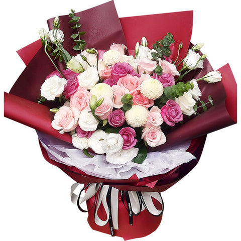 Have a soft spot( 13 pink snow mountains, 13 pink roses, 7 white roses, 4 ping-pong chrysanthemums-